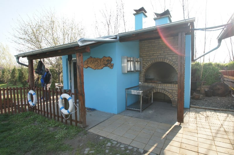 kasapska-ada-novi-sad-ulaz-u-restoran